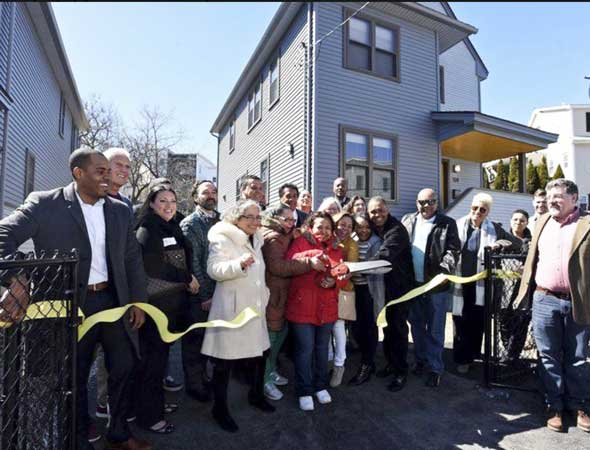 Affordable-Housing Lawrence ribbon cutting